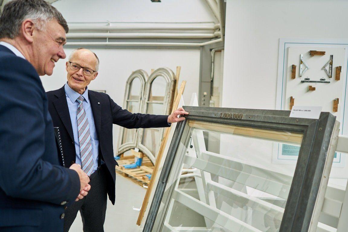 CEO del Grupo VELUX, Jørgen Tang-Jensen (izquierda), junto a Lars Kann-Rasmussen, segunda generación de la familia fundadora (1)
