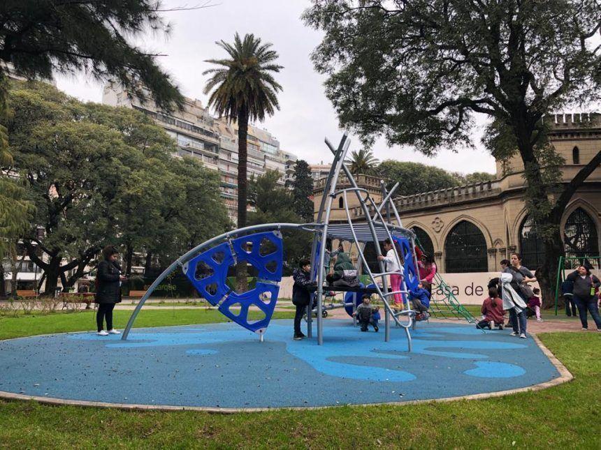 """Juego dinámico """"pez"""" en Ecoparque, por Durban"""