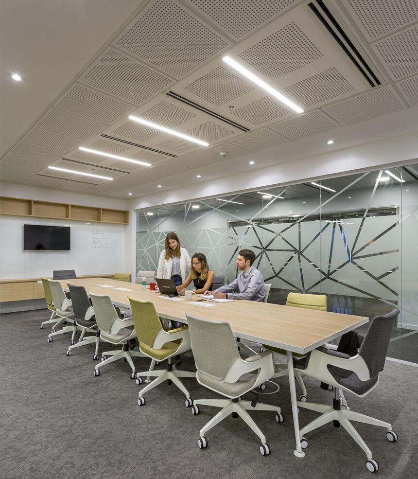 Mobiliario de alta tecnología en las nuevas oficinas de Comviva
