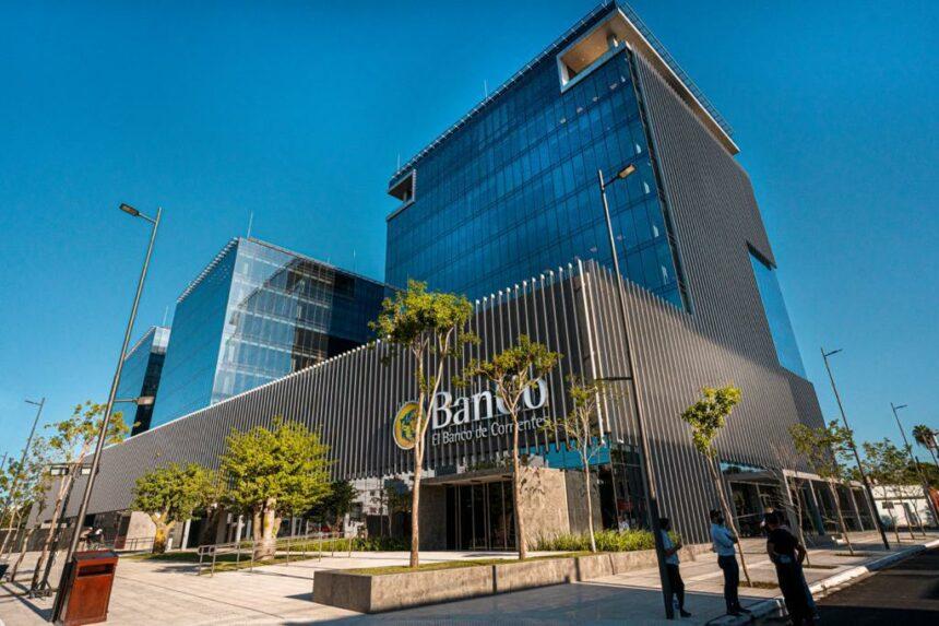 Mobiliario del Banco de Corrientes, por Grupo(a)²