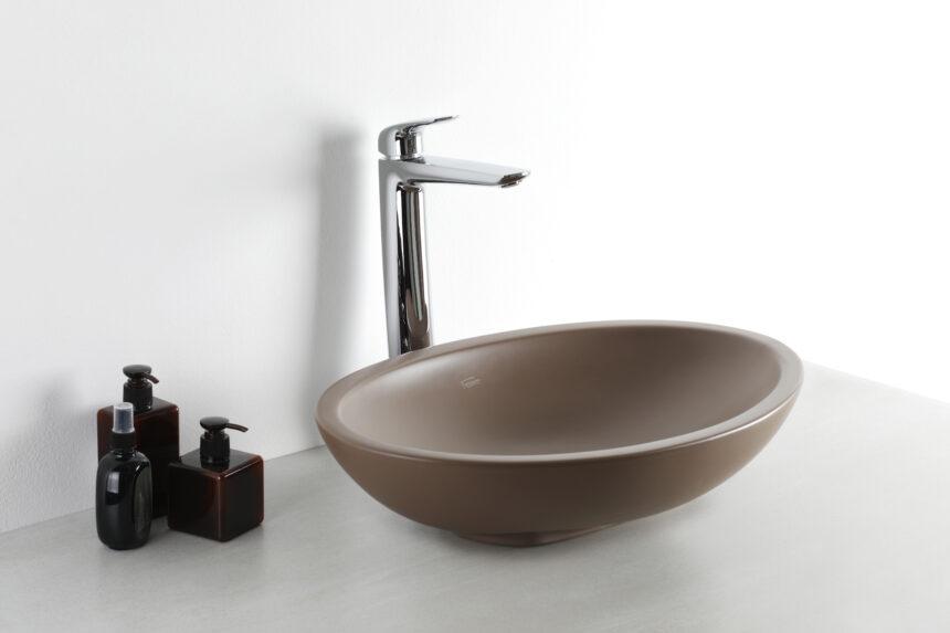 ¿Por qué las bachas de color son un gran aliado en tu baño?