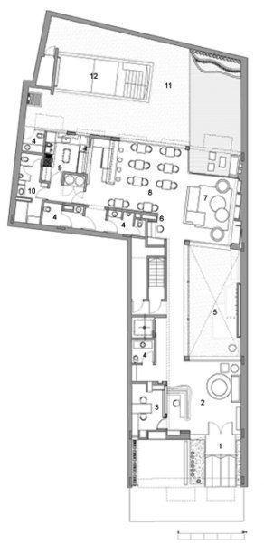 1.Acceso, 2.Lobby, 3.Oficina, 4.Toilette, 5.Patio, 6. Cyber, 7. Living, 8. Bar/restaurant, 9. Cocina, 10. área personal, 11. Járdin, 12. Piscina