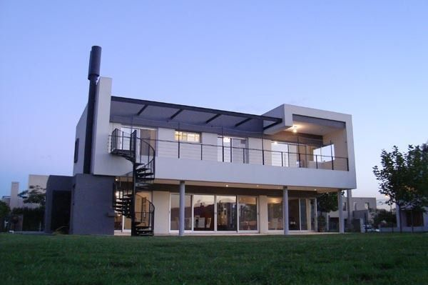 Casa en barrio laguna del sol arqa for Ideas para disenar una casa