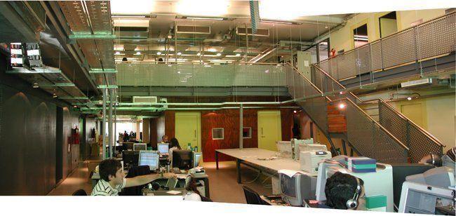 Interior, Oficinas FOX : La máquina terciaria digital