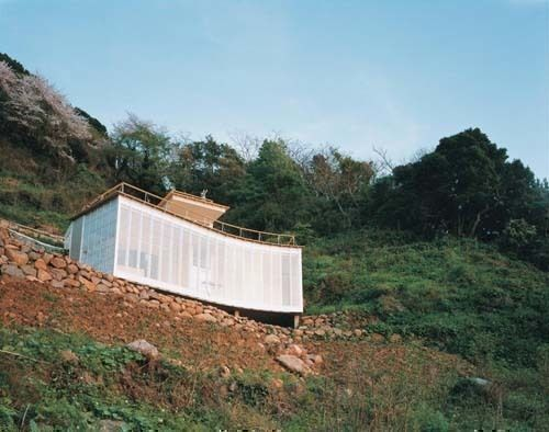 02-atelier-bow-wow-house-at-izu-large.jpg