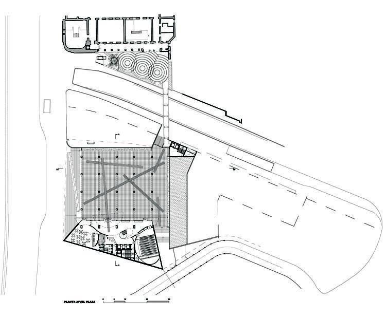 Planta nivel plaza
