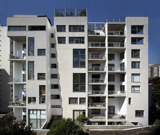 Lateral facade / 2010 © photo@leonardofinotti.com