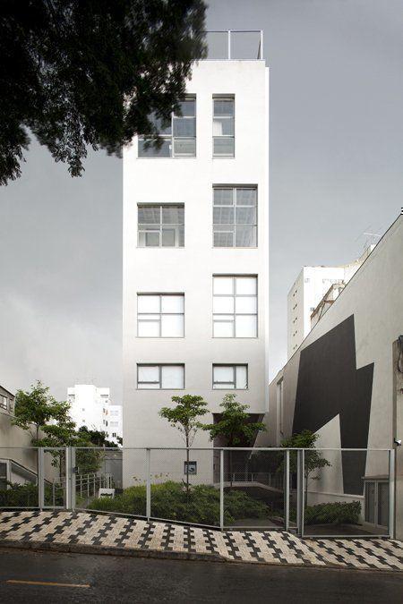 Street facade / 2010 © photo@leonardofinotti.com