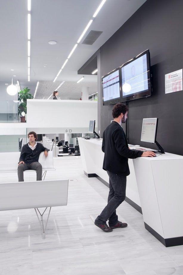 Proyecto oficina de atenci n al ciudadano girona arqa for Oficina atencion al ciudadano