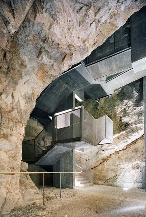 Interior view of the stairway from the existing tunnel (Alessandra Chemollo)