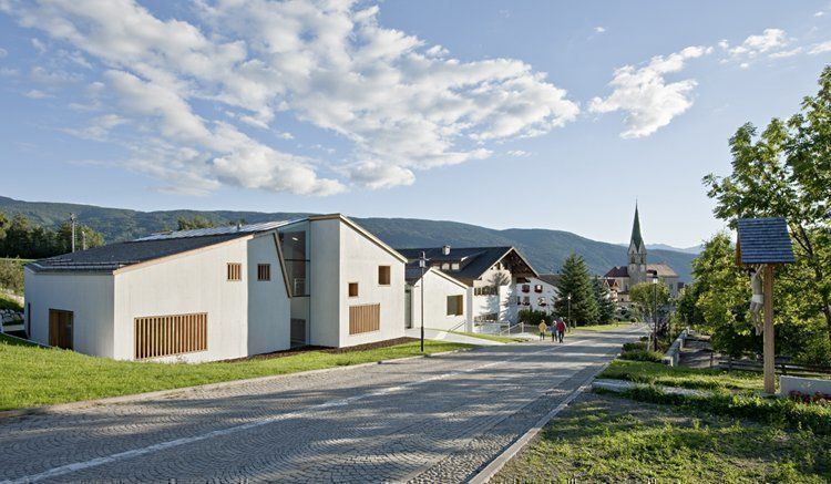 Photo by Hertha Hurnaus / www.hurnaus.com