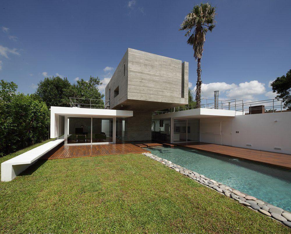 Arqa casa bunker for Estudios de arquitectura la plata