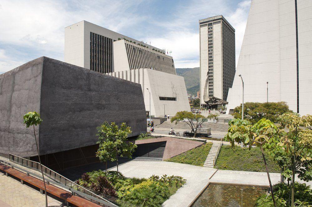 Centro c vico de antioquia plaza de la libertad for Programa arquitectonico biblioteca