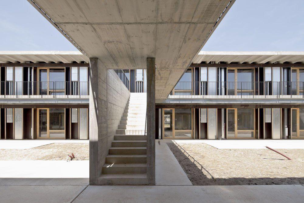 57 viviendas universitarias en el campus de la etsav en - Escuela de arquitectura de barcelona ...