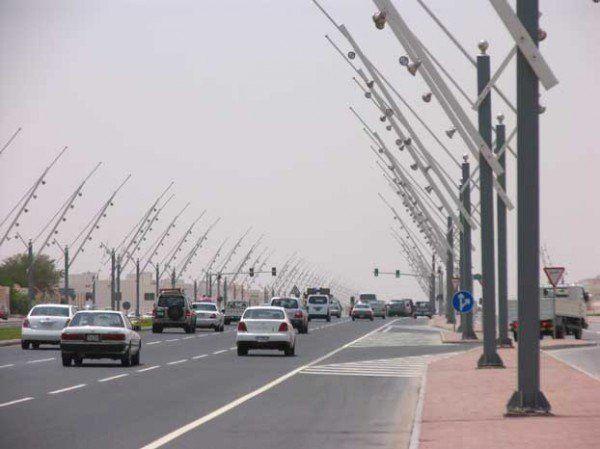 Farolas Latina falsas en Qatar