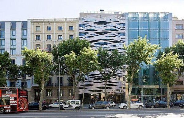 Fachada de Toyo Ito en Barcelona. Foto: Iwan Baan