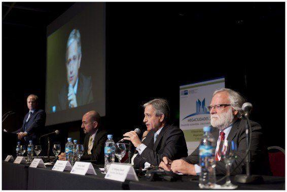ARQA - IV Foro Megaciudades: Bloque Smart Cities