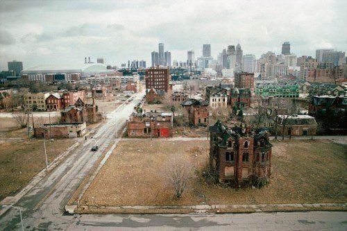 Camilo José Vergara. John R. Street, Detroit, 2003