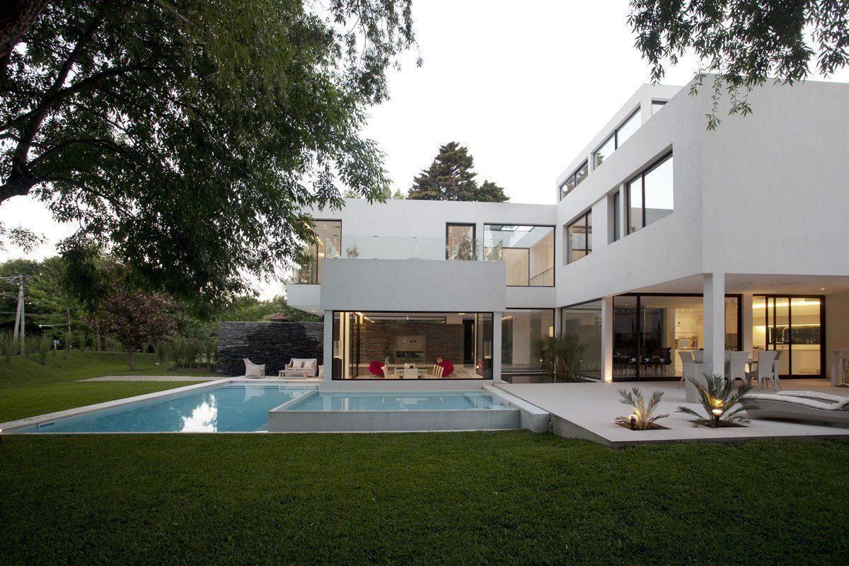 Casa carrara en pilar buenos aires arqa for Casa moderna l