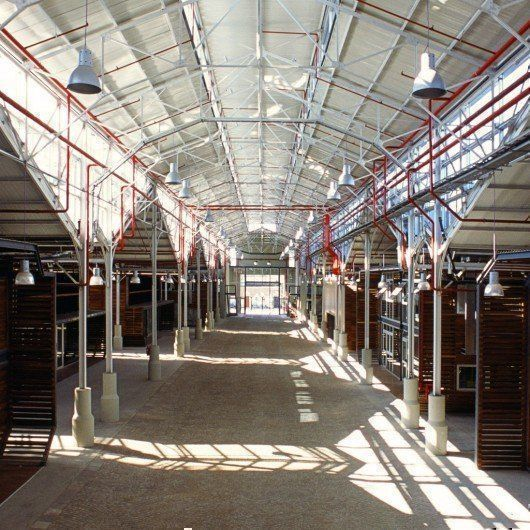 Centro Metropolitano de Diseño / Reciclaje del ex-mercado de pescado
