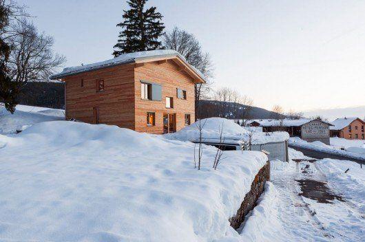 Una cabaña cerca del lago de Joux para amantes de la naturaleza
