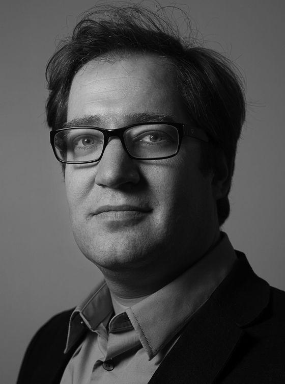 Conferencia de Julián Varas sobre Patrik Schumacher