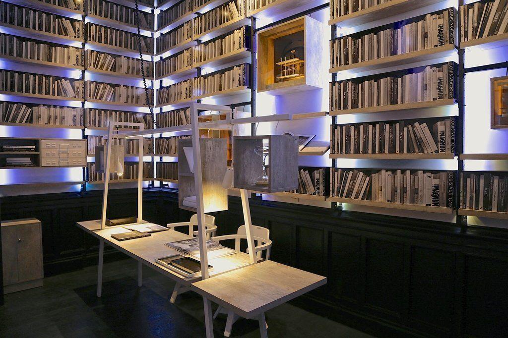 Espacio biblioteca casa foa 2015 arqa for Mesa biblioteca