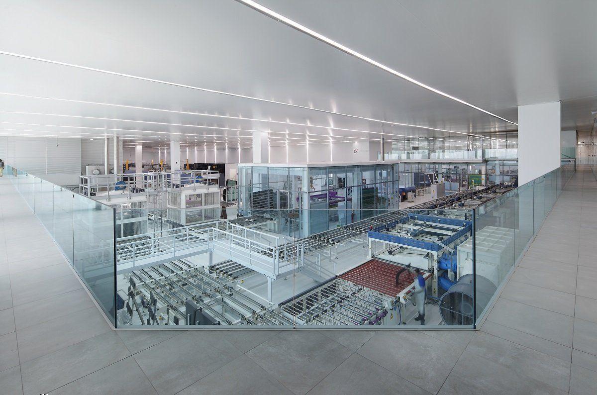 Nave industrial y oficinas agp eglass en lima arqa for Factory oficina