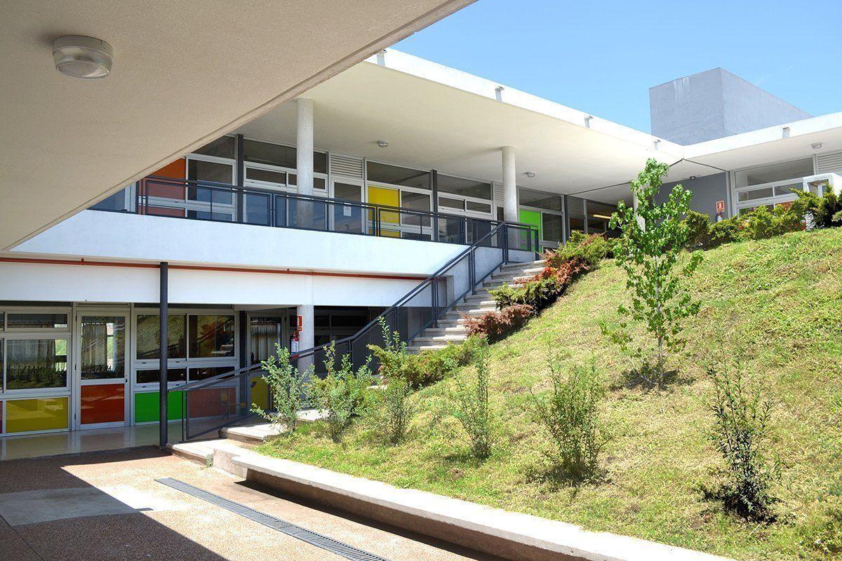 Escuela n 384 de tiempo completo en montevideo arqa for Arquitectura de interiores universidades