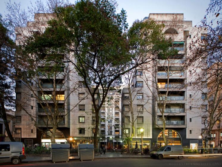 ARQA - Moderna Buenos Aires - Edificio Pres. Luis Sáenz Peña 20