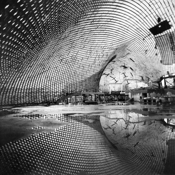 Imagen: Sala de usos múltiples, en Mannheim, Alemania 1975. Frei Otto, Carlfried Mutschler y Joachim Langner. © Atelier Frei Otto Warmbronn.
