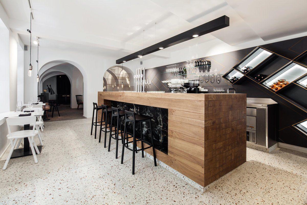 Tienda bar restaurante y queser a lingenhel shop for Innenarchitekt wien wohnung