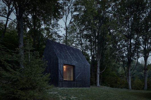Cottage Pod Bukovou, restauración de una cabaña inacabada