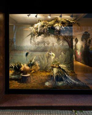 Sofia Willemoës presenta nuevo website y vidriera con empapelados metalizados