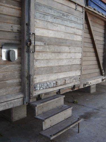 Reciclaje vag n carguero como estudio de arquitectura arqa for Estudios de arquitectura la plata